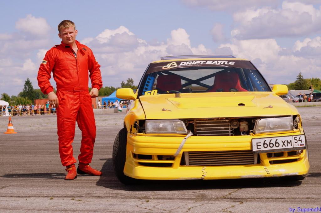 Александр Баюнов и его автомобиль